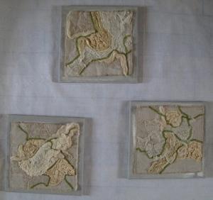 TRIPTYQUE Trois tableaux 30x30. 150€